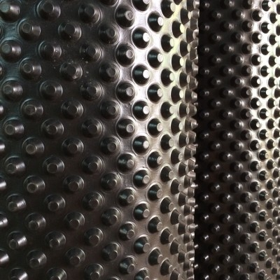 membrana-cu-crapoane